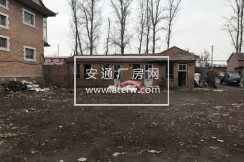 北辰铁锅店村厂院空地380平米出租