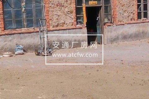 阜蒙县建设镇艾林皋村 3000平米场地加房子